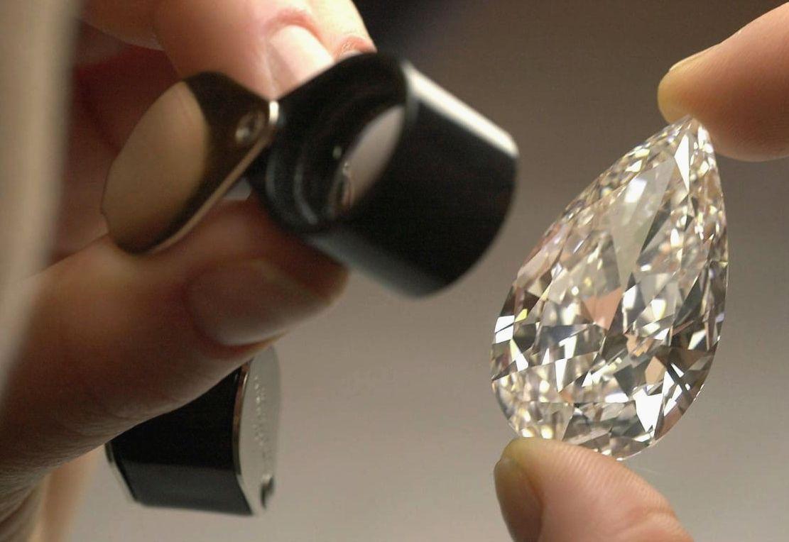 Алмаз под лупой