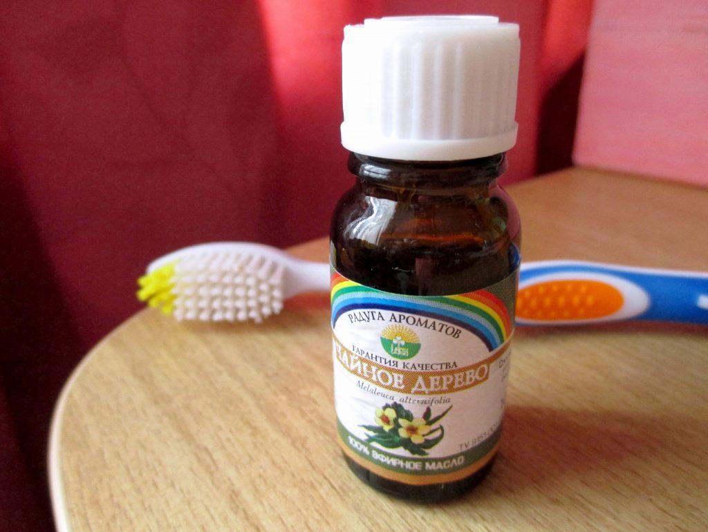 Как отбелить зубы маслом чайного дерева